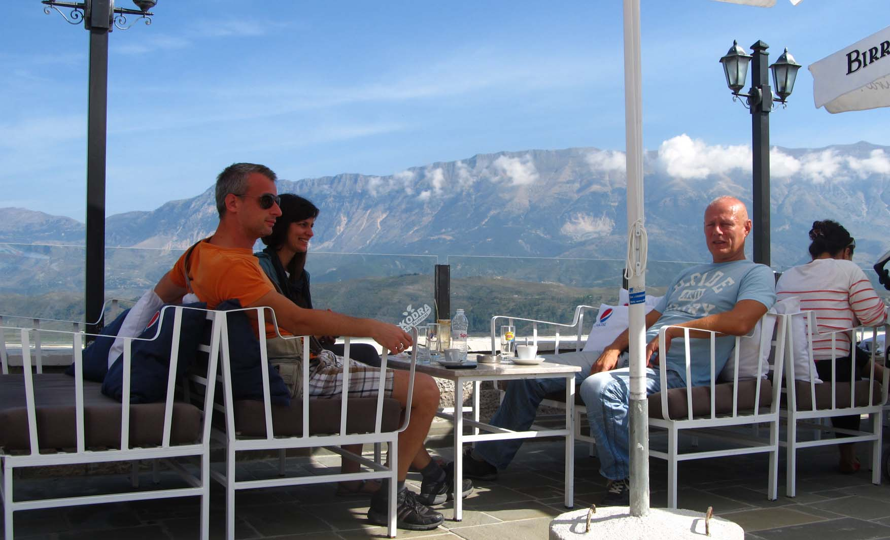 111 albanija gjirokastra trio