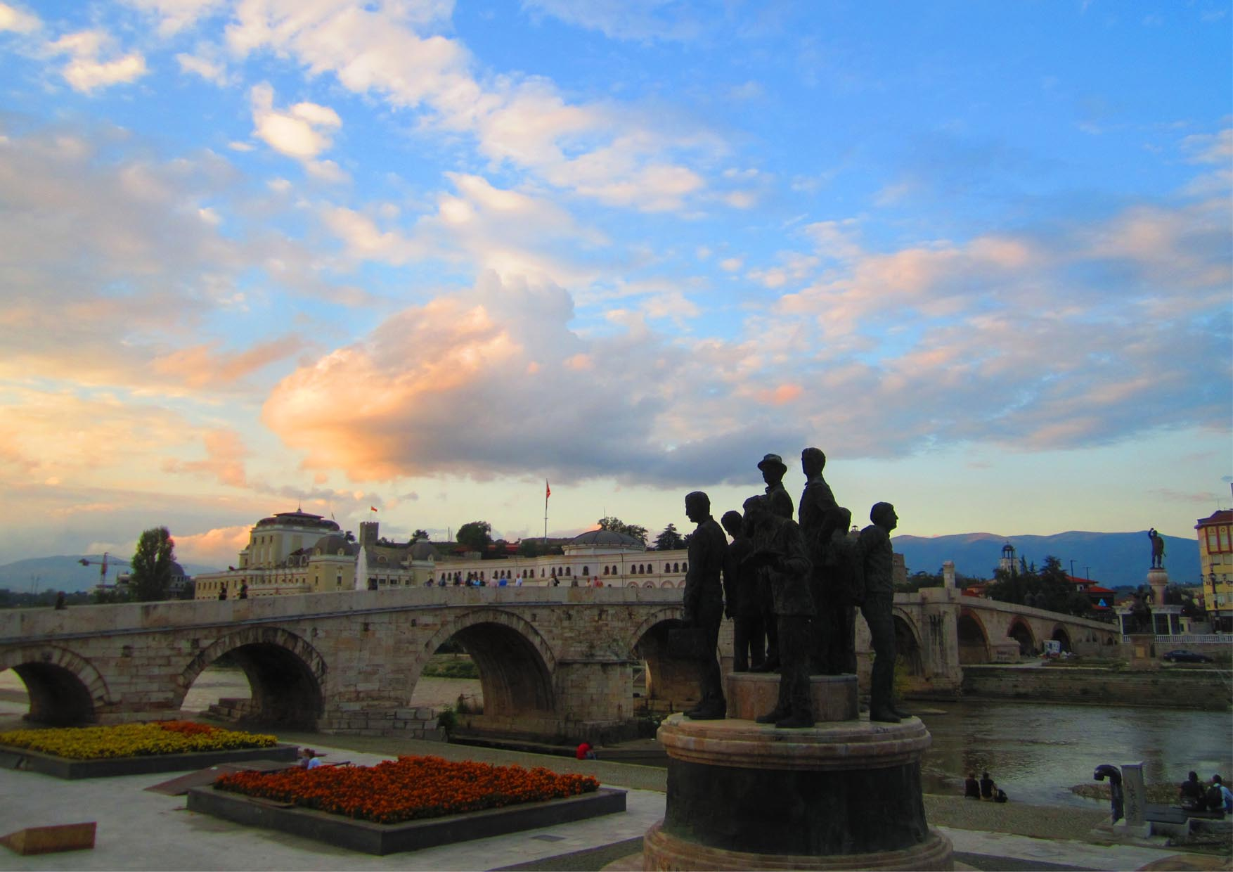 19 makedonija new skopje kameni most