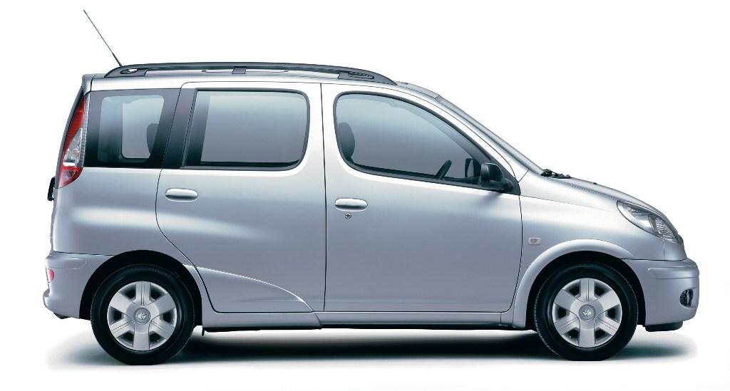 Toyota-Yaris-Verso-3