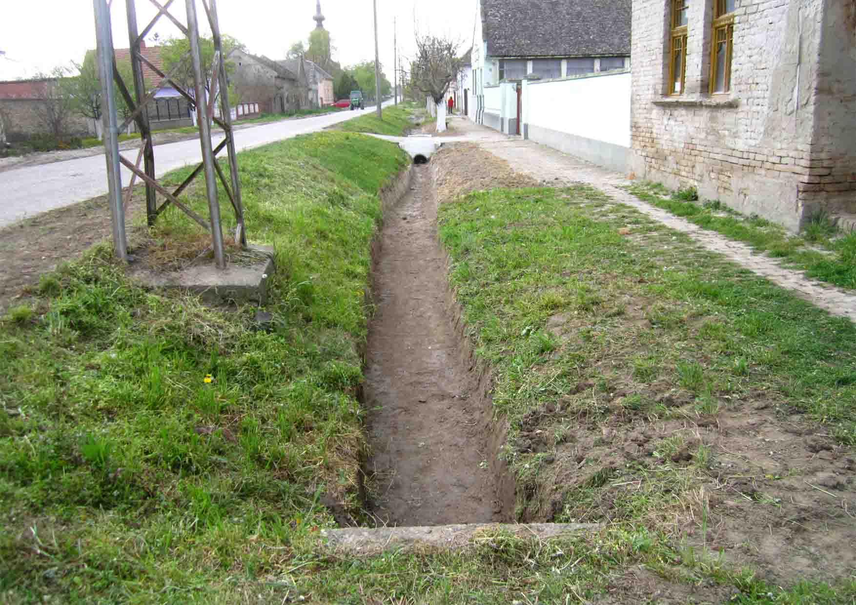 06 april kopanje kanala Mosorin