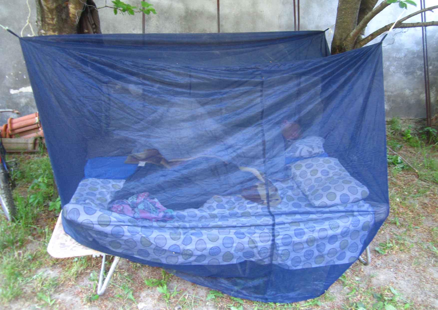 03 Mosorin pod od zemlje - prvo spavanje napolju